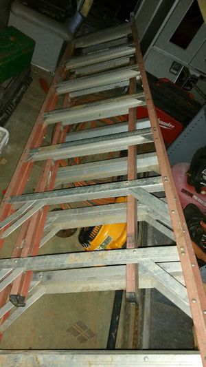 8 feet ladder with an extension in the middle werner brand. for Sale in Nashville, TN