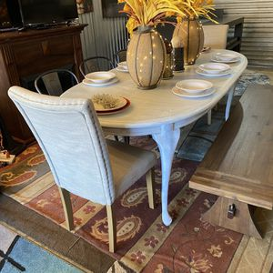 Nice FARMHOUSE/Shabby And Chic style kitchen Table Set😍NOT Selling Separate-NO holds-PLEASE CLICK READ MORE for Details! for Sale in Raleigh, NC