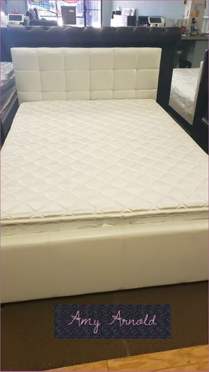 Full Bedframe with Twin Trundle for Sale in Glendale, AZ
