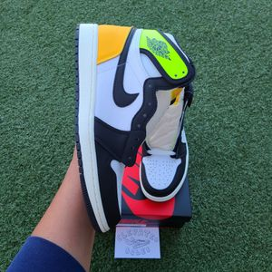Air Jordan 1 High White Black Volt University Gold Brand New Size 9 $250 for Sale in Las Vegas, NV