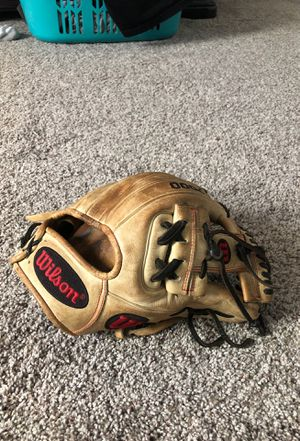 Wilson a2000 H-web pro size infield glove for Sale in Cypress, TX