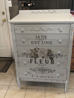Dresser for Sale in Levittown, PA