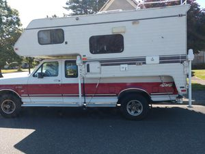 1997 Western Wilderness Camper with 1995 F250. Camper needs a new stud where the electric jack attaches. I'm using a wall jack as shown in picture. for Sale in Blaine, WA