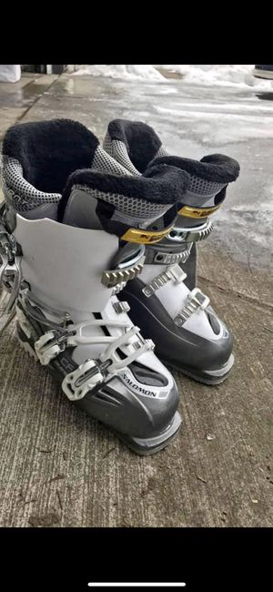 Salomon ski boots -women's size 24 for Sale in Mead, WA