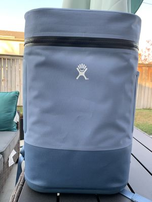 Hydro Flask Unbound 22L Backpack Cooler for Sale in Moreno Valley, CA