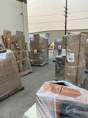 Home Depot pallet (home and garden/ tools ) for Sale in Irwindale, CA