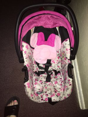 Like new car seat for Sale in Dayton, OH