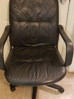 Office Desk Chair Swivel Black for Sale in Irvine,  CA