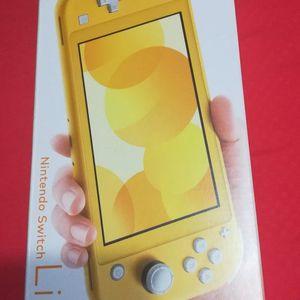 Nintendo Switch Lite (New Never Use) for Sale in Miami, FL