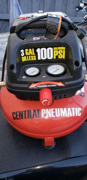 Central Pneumatic 100 PSI compressor for Sale in Jacksonville, FL