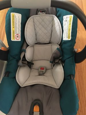 Baby Chicco car seat for Sale in Tampa, FL