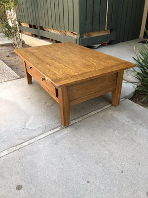 Furniture/coffee table for Sale in Fresno, CA
