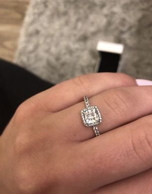 Never worn pandora ring for Sale in Portland, OR