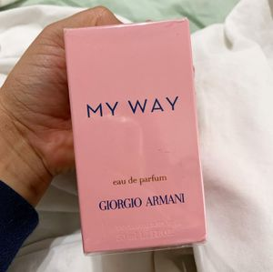 Giorgio Armani MY WAY 1.7 oz for Sale in Los Angeles, CA