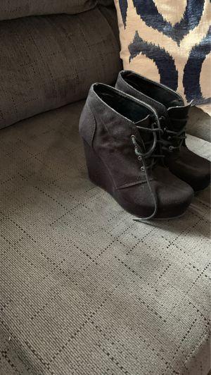 Women's shoes for Sale in La Mirada, CA