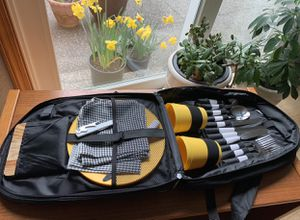 Picnic set for 4 in a backpack Brand new for Sale in Gig Harbor, WA