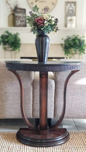 Half moon center table/entryway/console/accent table/side table for Sale in Chino Hills, CA