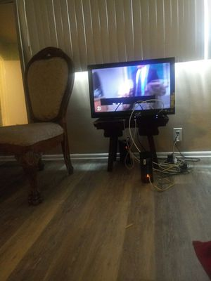 32 inch tv for Sale in Inglewood, CA