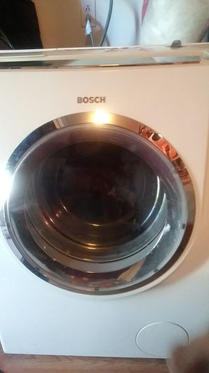 Bosch NExxt 500 plus series washer and gas maytag dryer for Sale in Salt Lake City, UT