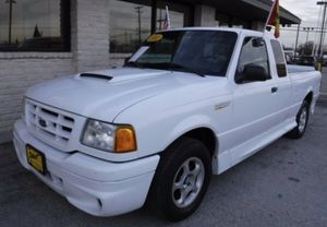 Selling a beautiful 2002 Ford Ranger Thunderbolt for Sale in Grand Prairie, TX