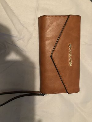 Michael Kors wristlet wallet for Sale in Cartersville, VA
