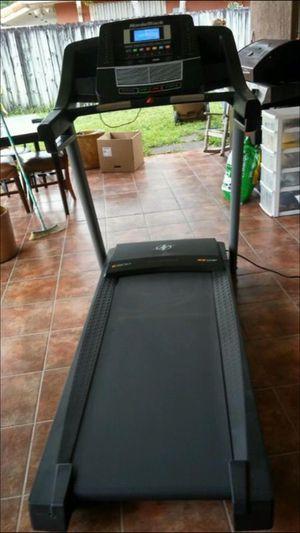 NordicTrack C600 Treadmill for Sale in Hialeah, FL