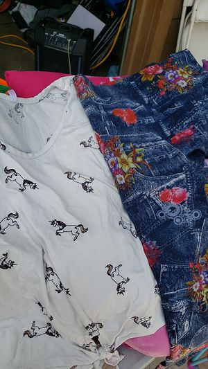 Free shirt and leggings for Sale in Ceres, CA