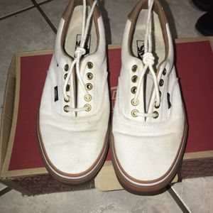 White and brown vans for $25 size 9 for Sale in Miami, FL