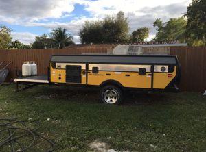 2007 Coleman Fleetwood Evolution E3 Toy hauler pop up camper for Sale in Oakland Park, FL