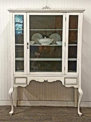 Antique China Cabinet for Sale in Liberty Hill, TX