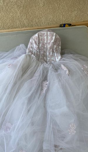 Sweet 15 or 16 dress / quinceanera dress for Sale in Long Beach, CA