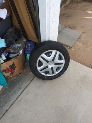 Honda 4 lugs all 4 tire for Sale in Apple Valley, CA