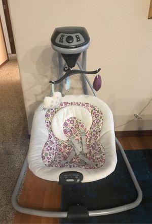 Graco baby swing for Sale in Marysville, WA
