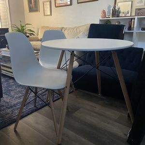 Table And Chairs Mid Century Modern for Sale in Chandler, AZ