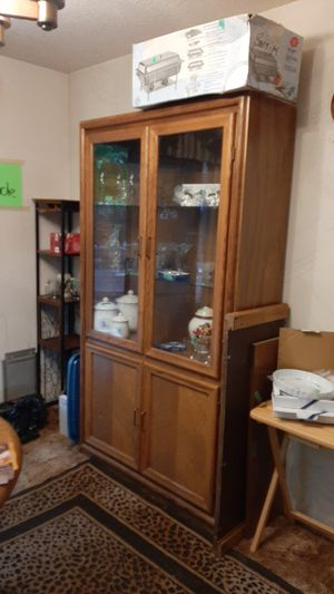 Oak hutch. In good condition for Sale in Lacey, WA