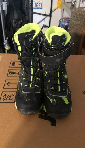 Kids Snow shoes size for Sale in Oswego, IL