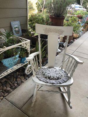 Vintage white rocker for Sale in San Marcos, CA