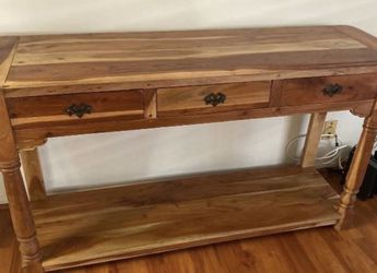 Wood Table/ TV Stand for Sale in South Gate,  CA