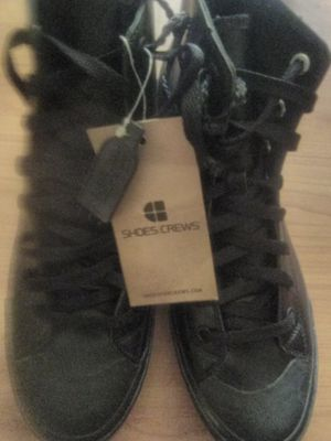 New Shoes Crews slip resistant boots Men sz 10.5 women sz 11 for Sale in El Cajon, CA
