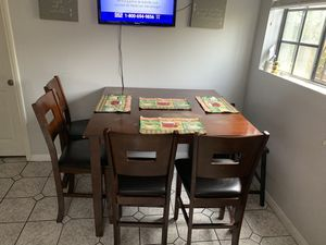 Kitchen table for Sale in El Monte, CA