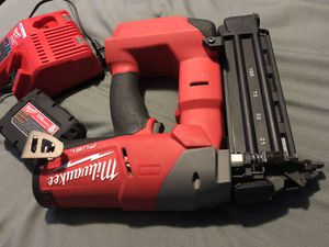 18 gauge finish nailer 1/2 - 2 1/2 nails for Sale in Adelphi, MD