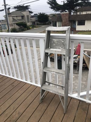 4 ft aluminum ladder for Sale in Del Monte Forest, CA