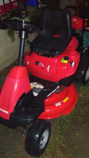 Lawn tractor for Sale in Pittsburgh, PA