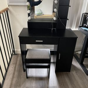 Make Up Vanity for Sale in Campbell, CA