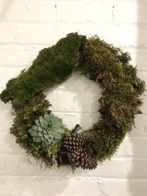 Living Moss Wreaths with Succulents for Sale in Sacramento, CA