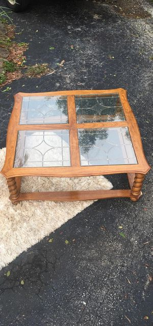 Wood and glass coffee table for Sale in Fort Lauderdale, FL