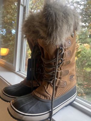 NEW waterproof sorrel boots, NEVER worn Size: 9 for Sale in University Place, WA