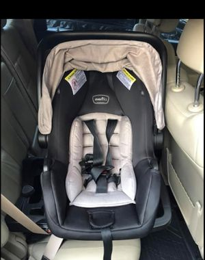 Evenflo Pivot Travel System (Stroller and Car Seat) for Sale in Houston, TX