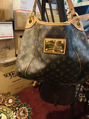 Louis Vuitton galleria pm bag for Sale in Portland, OR
