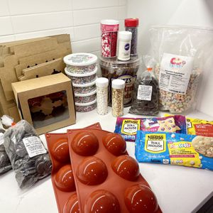 Hot Cocoa Bomb Kit - Perfect For Valentine's Day for Sale in Woodbridge Township, NJ